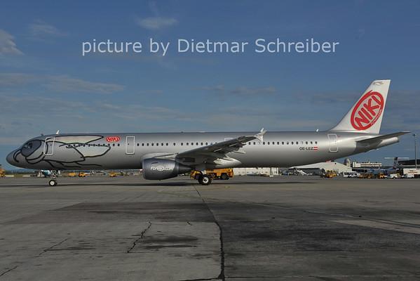 2011-07-11 OE-LEZ AIrbus A321 Flyniki