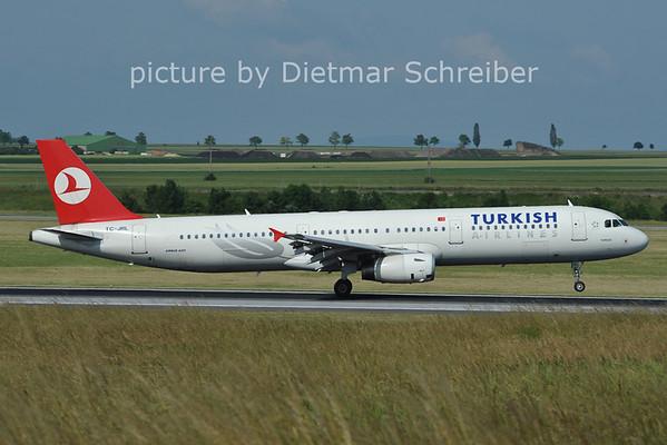 2011-06-10 TC-JRL Airbus A321 THY