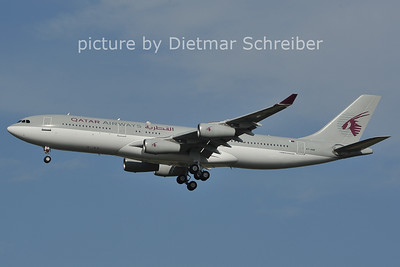 2011-07-18 A7-HHK Airbus A340-200 Qatar