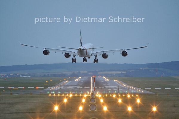 2011-07-17 A6-ERA Airbus A340-500 Emirates