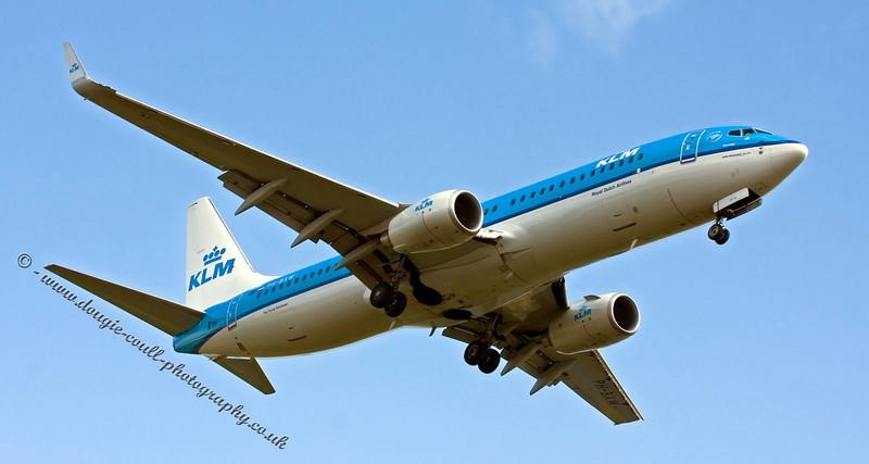 KLM Aircraft Arriving at Glasgow - Boeing 737-8K2(WL)