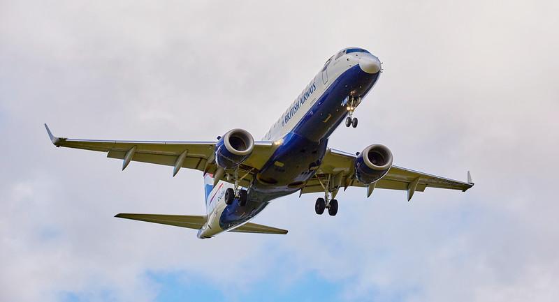 British Airways CityFlyer (G-LCYM) at Glasgow Airport - 8 July 2016