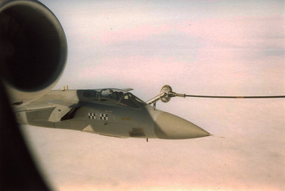 A Tornado refuels off the port wing hose.