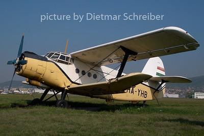 2009-04-24 HA-YHB Antonov 2