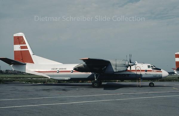 1990-07 CCCP-26045 Antonov 26 Aeroflot - Soviet Airlines