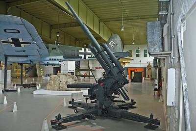 88 mm Flugabwehrkanone 37 (FlaK 37)