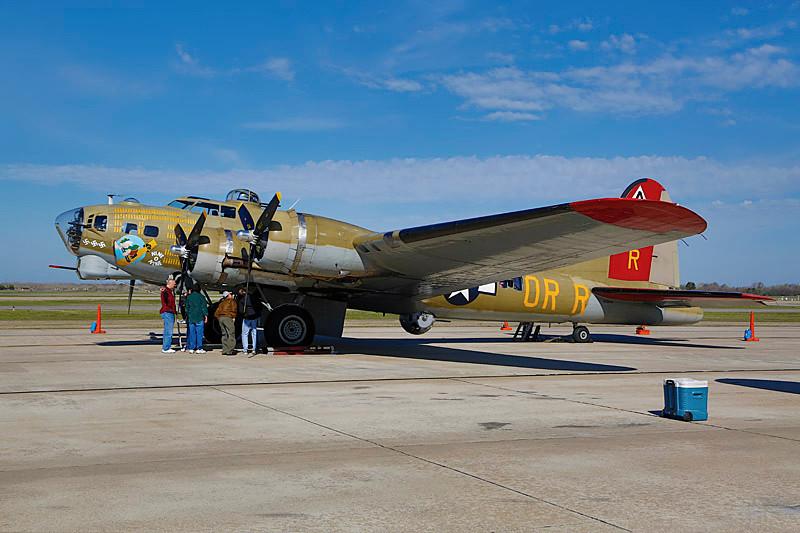 B-17 Nine-O-Nine