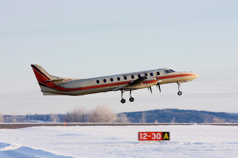 I believe that this is flt JV307 leaving Dryden - photo taken at 9:25 am on February 4th, 2009.
