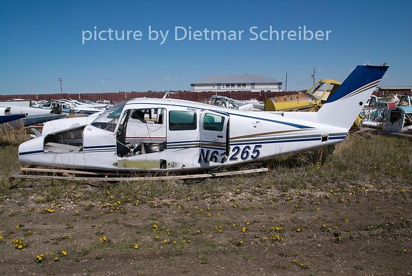 2009-05-27 N61265 Beech 76