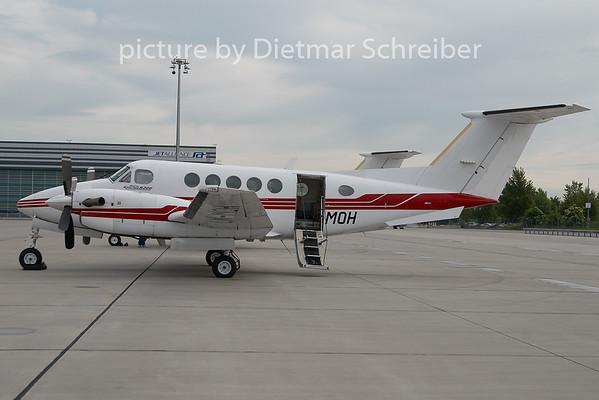 2010-05-27 LN-MOH Beech 200 King AIr