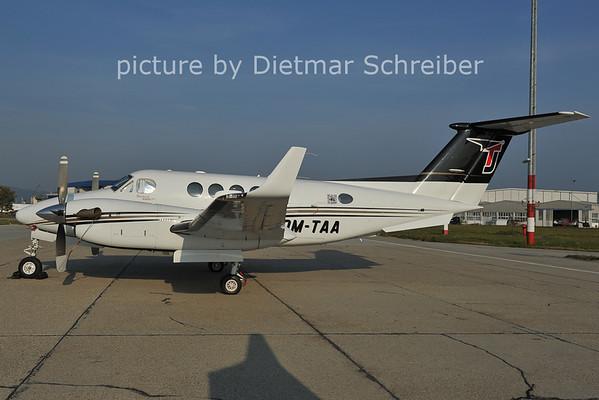 2011-10-05 OM-TAA Beech 200 King Air