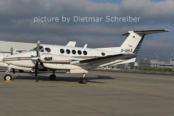 2014-10-27 D-IANA Beech 200 King AIr