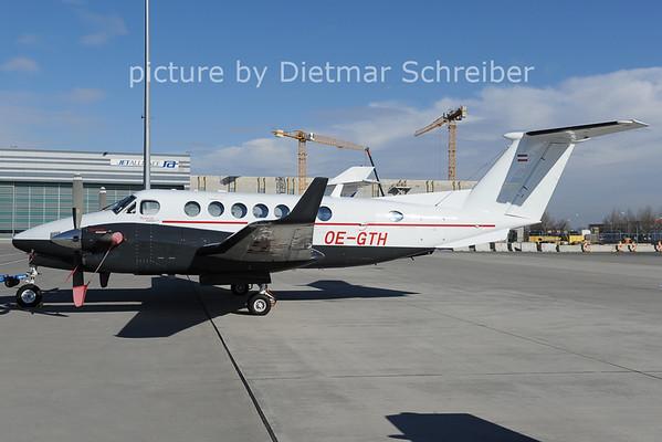 2014-02-13 OE-GTH King Air 350