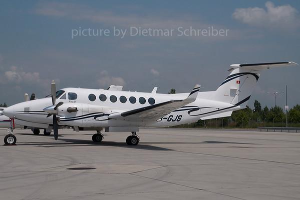 2007-06-07 HB-GJS Beech 300 King AIr