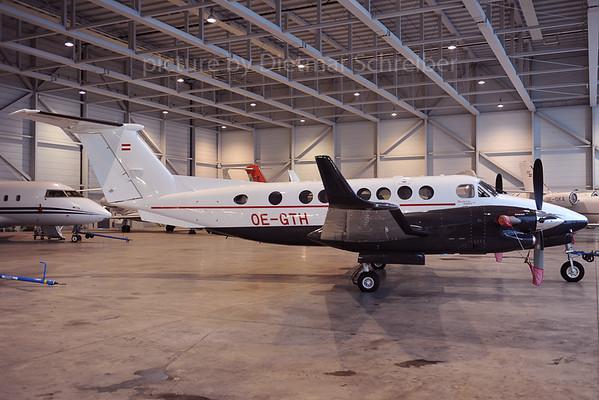 2013-02-12 OE-GTH Beech 350 King Air