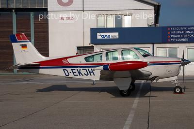 2009-01-23 D-EKJH Beech 36