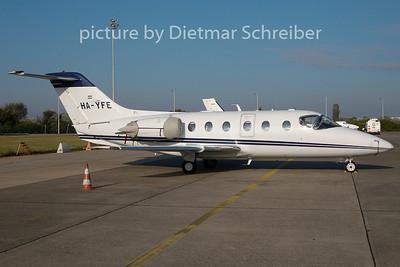2010-10-08 HA-YFE Beech 400