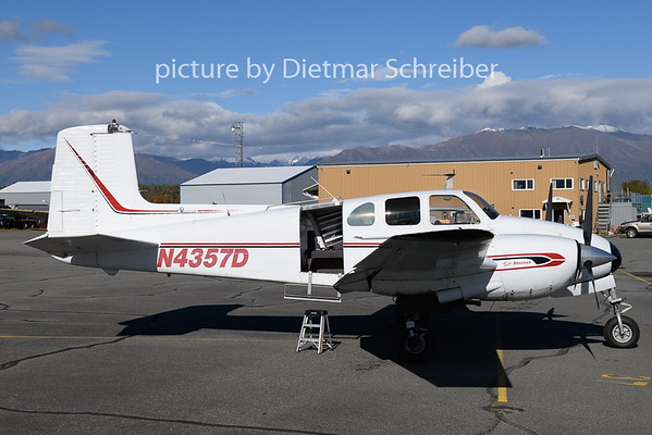 2018-09-23 N4357D Beech Twin Bonanza