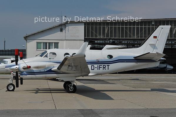 2011-06-01 D-IFRT Beech 90 King Air