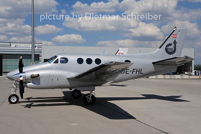 2014-06-18 OE-FHL Beech 90 KIng Air