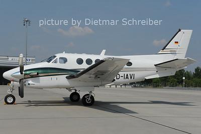 2012-06-19 D-IAVI Beech 90 KIng Air