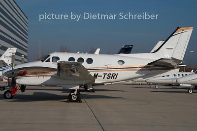 2009-12-10 M-TSRI Beech 90 King Air
