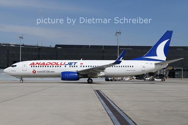 2021-04-12 TC-JHA Boeing 737-800 Anadolujet