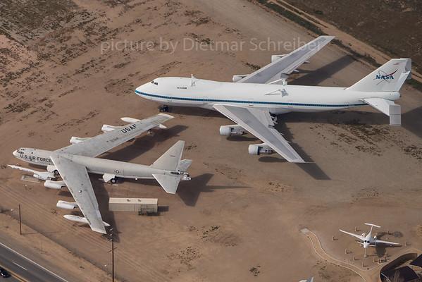 2016-03-04 57-0038 Boeing B52 USAF / N911NA Boeing 747-100 NASA