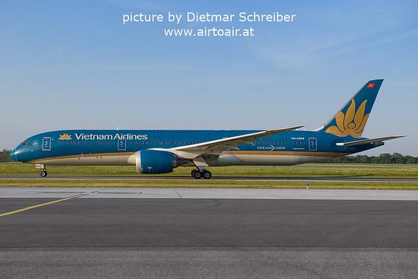 2021-09-08 VN-A869 Boeing 787-9 Vietnam Airlines