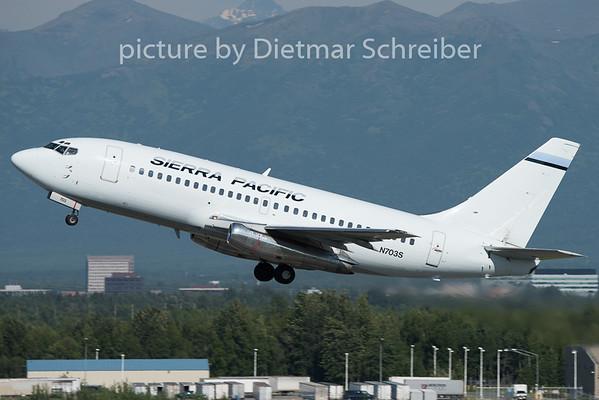 2015-06-17 N703S Boeing 737-200 Sierra Pacific