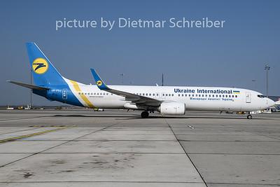 2019-04-01 UR-PSJ Boeing 737-900 Ukraine International