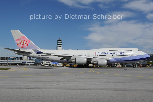 2012-09-26 B-18211 Boeing 747-400 China Airlines