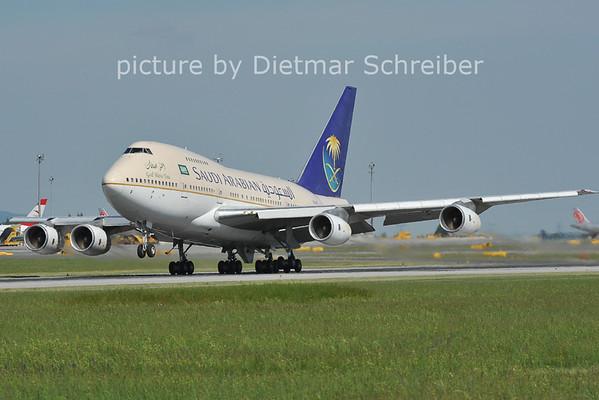 2012-05-10 HZ-AIF Boeing 747SP Saudia