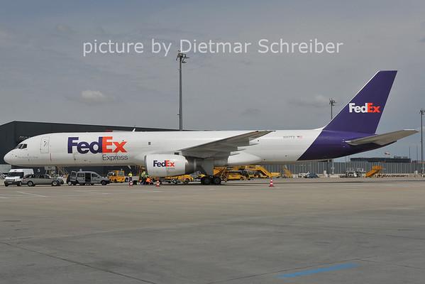 2011-07-14 N917FD Boeing 757-200 Fedex