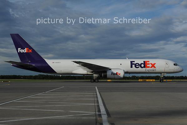 2012-06-14 N918FD Boeing 757-200 Fedex
