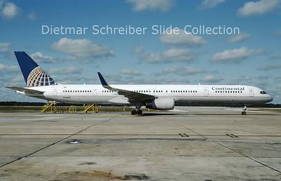 2009-10 N56859 Boeing 757-324WL (c/n 32818) Continental Airlines