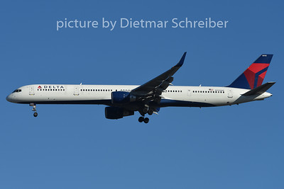 2015-02-13 N590NW Boeing 757-300 Delta Airlines