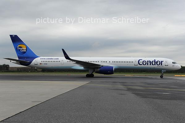 2012-07-13 D-ABOM Boeing 757-300 Condor