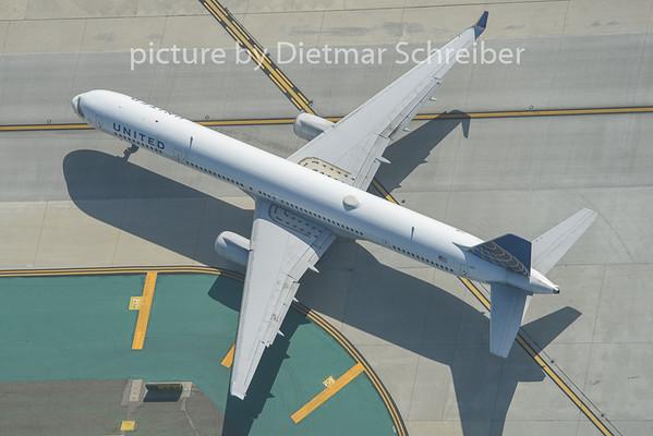 2015-02-05 N57852 Boeing 757-300 United Airlines