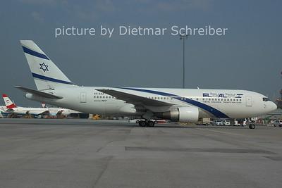 2006-07-12 4X-EAA Boeing 767-200 El AL