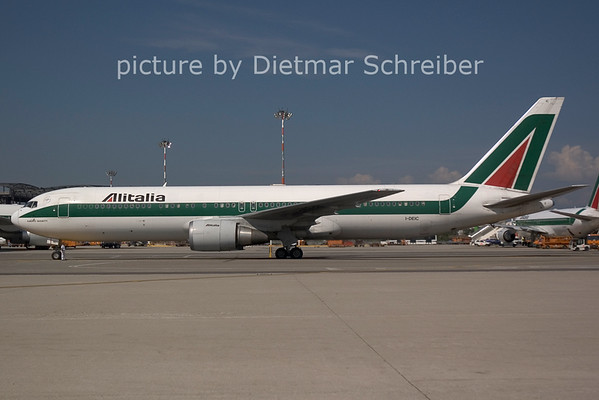 2006-07-29 I-DEIC Boeing 767-300 Alitalia