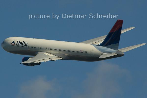 2006-02-25 N135DL Boeing 767-300 Delta Airlines