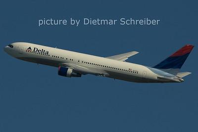 2006-02-26 N123DN Boeing 767-300 Delta Airlines