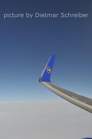 2012-05-12 D-ABUD Boeing 767-300 Condor
