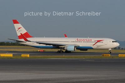 2012-05-28 OE-LAE Boeing 767-300 Austrian AIrlines