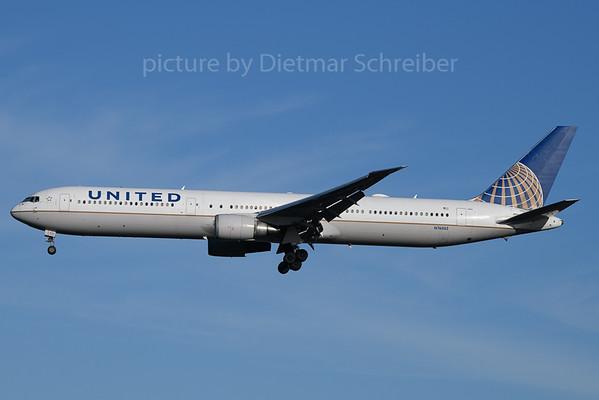 2020-01-19 N76062 Boeing 767-400 United Airlines