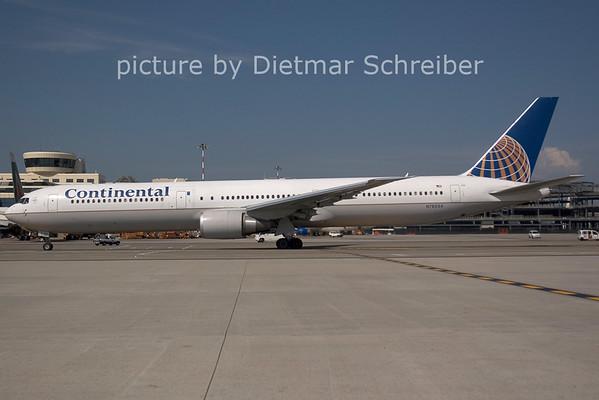 2006-07-29 N76054 Boeing 767-400 Continental