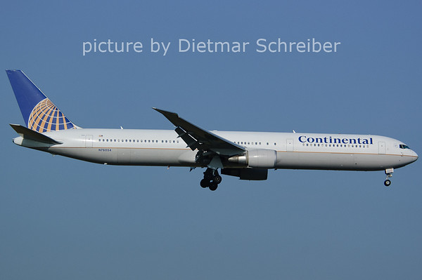2006-07-29  N76054 Boeing 767-400 Continental AIrlines