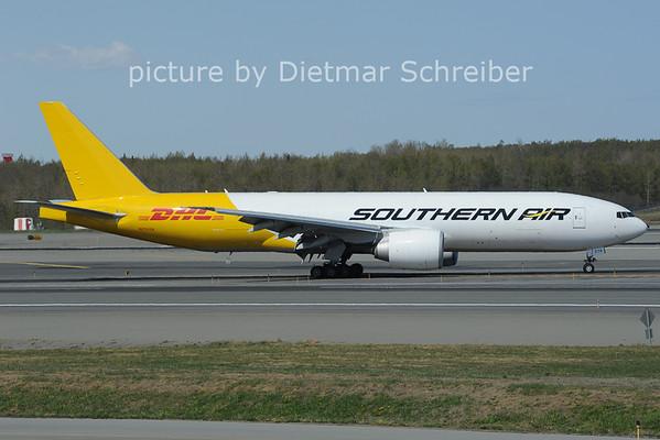 2012-05-18 N774SA Boeing 777-200 Southern AIr