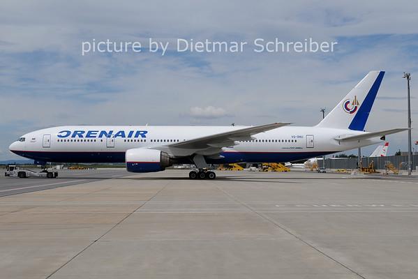 2012-07-18 VQ-BNU Boeing 777-200 Orenair